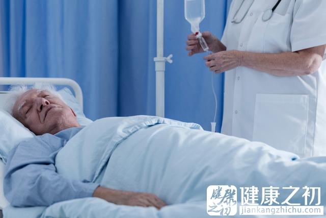 老人 病床.jpg